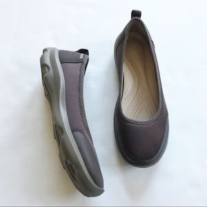 40fa3a544a9c1b Crocs Busy Day Brown Flats! NWOT!